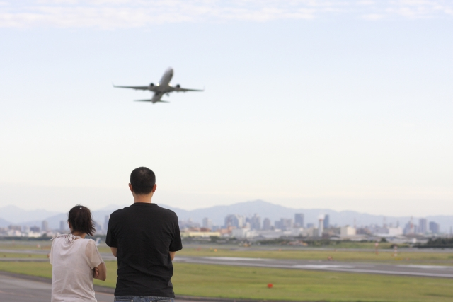 海外旅行に必携のWi-Fiルーター 4選|購入・レンタルどれが得?使いやすいのは?