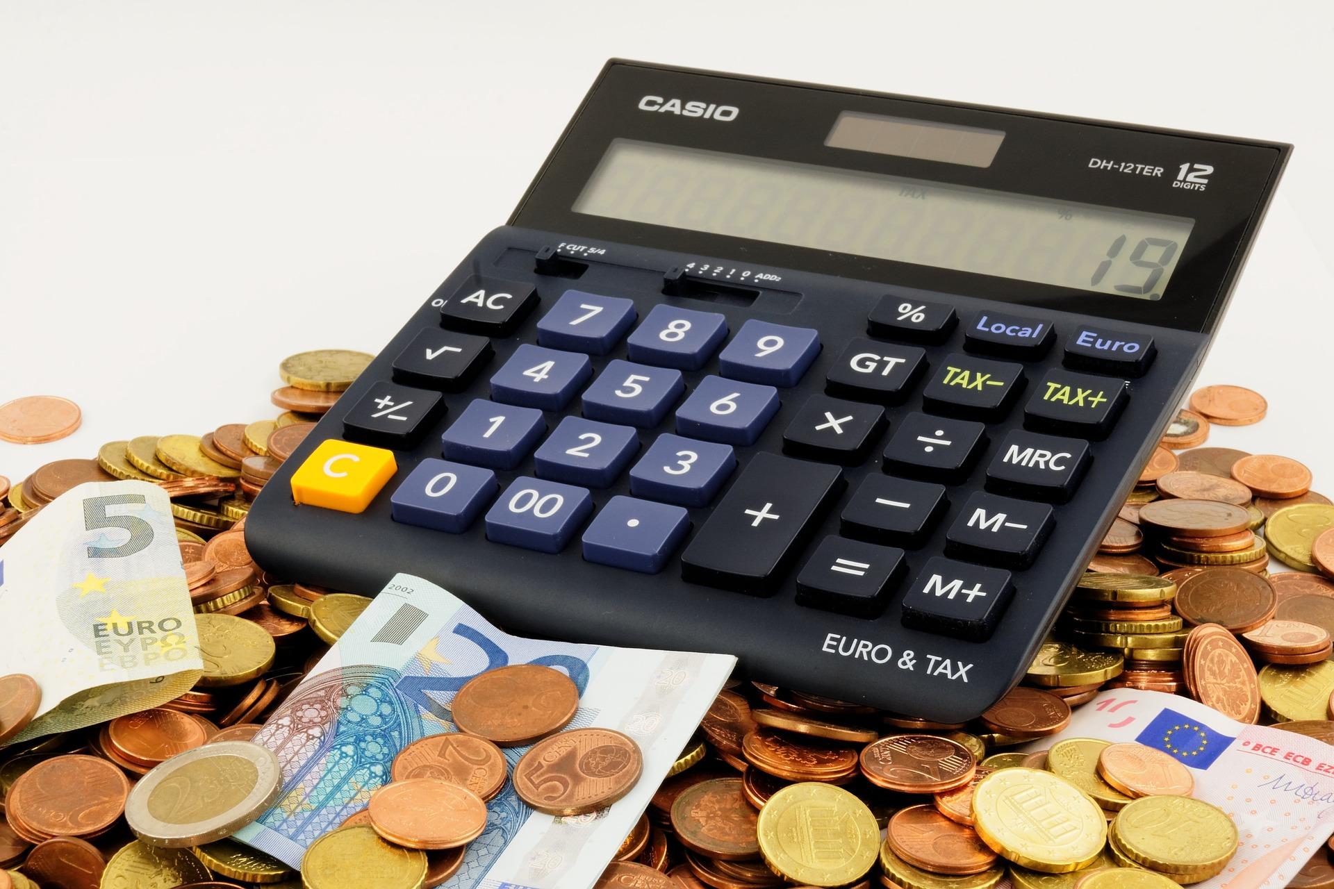 au|契約期間中の解約料金・違約金はいくらかかる?iPhone Xで試算。
