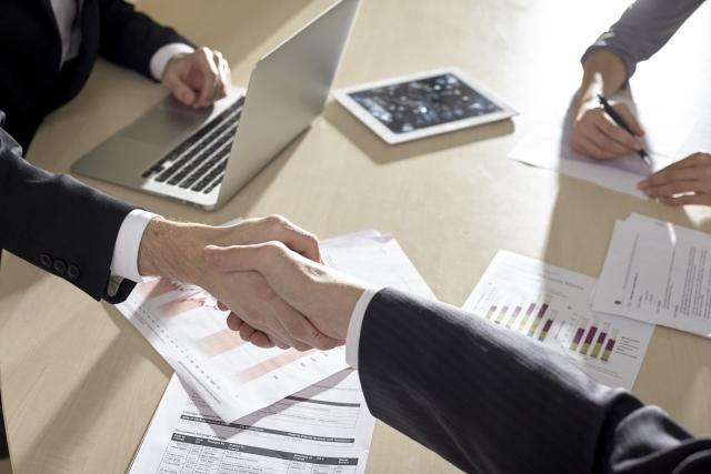 ドコモで法人契約するメリットと注意点|個人契約との違いを解説