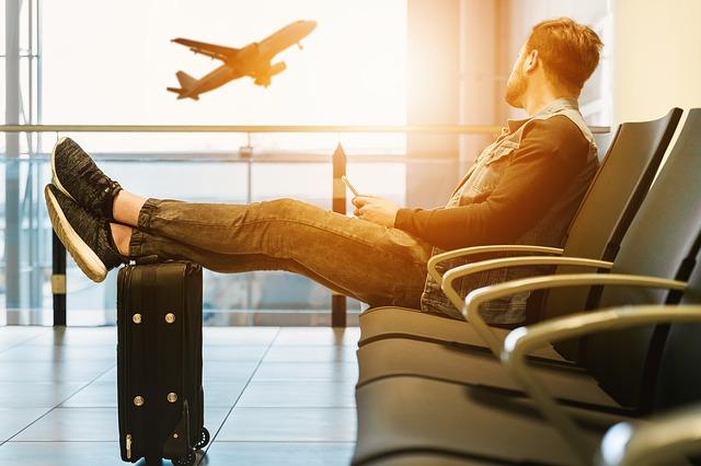 dカードGOLDと楽天ゴールドカードの海外旅行保険と空港ラウンジ利用を比較
