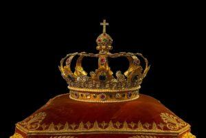 豪華な王冠