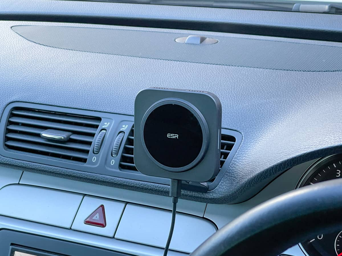 ESR 車載ワイヤレス充電ホルダー
